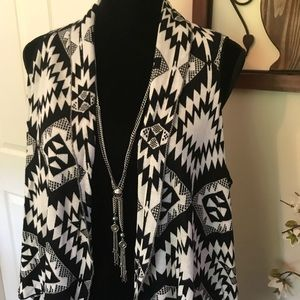 Black & white Tribal Print Sweater Duster Sz L